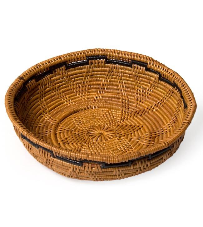 トゥガナン村のアタ 円形皿 - 中の写真