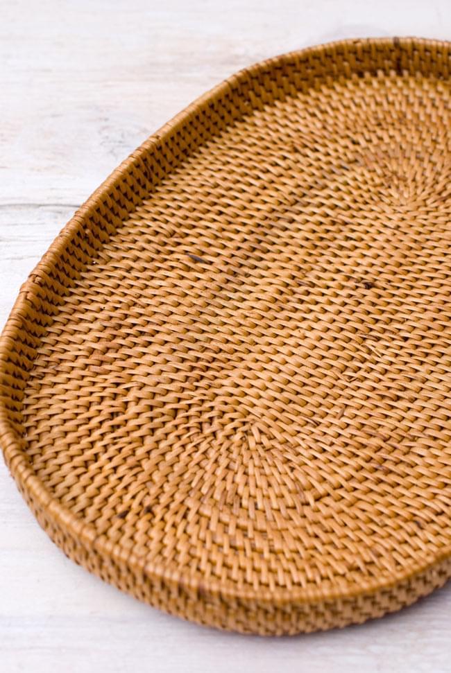 トゥガナン村のアタ 楕円薄小皿 【23cm】の写真5 - シックで落ち着いた風合いが魅力的です。