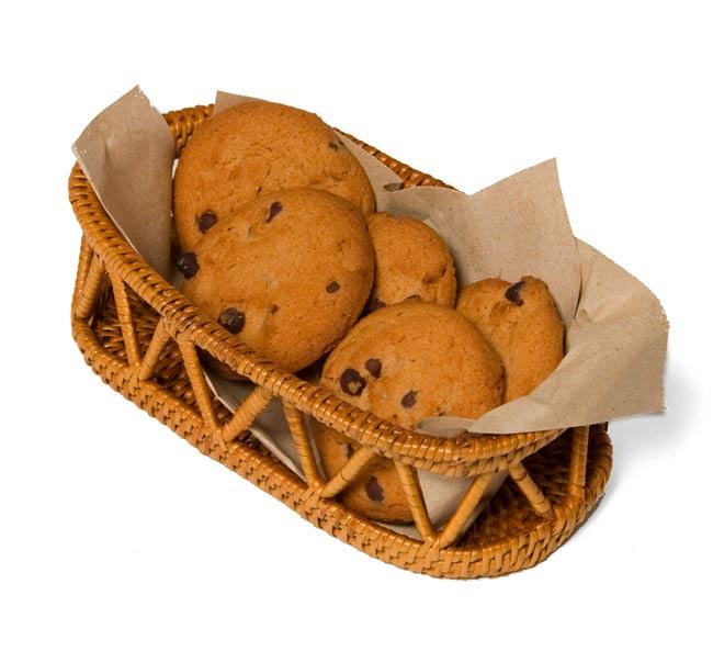 トゥガナン村のアタ 楕円小物入れ 【16.5cm】の写真5 - お菓子を入れても良いですね。