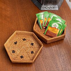 トゥガナン村のアタ 六角形小物