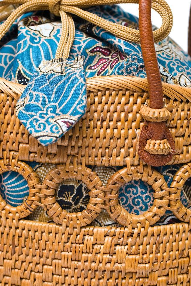 アタかご 巾着バッグ ココナッツボタン付き 発祥の地トゥガナン村で手作り【約19cm x 19.5cm】 4 - 裏面の写真です