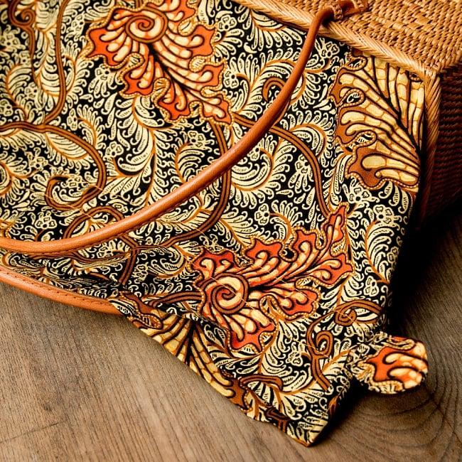 アタかご 巾着スクエアバッグ 発祥の地トゥガナン村で手作り【約22cm x30cm 】 10 - 色々な色合いがありますが、どちらもいい雰囲気です。