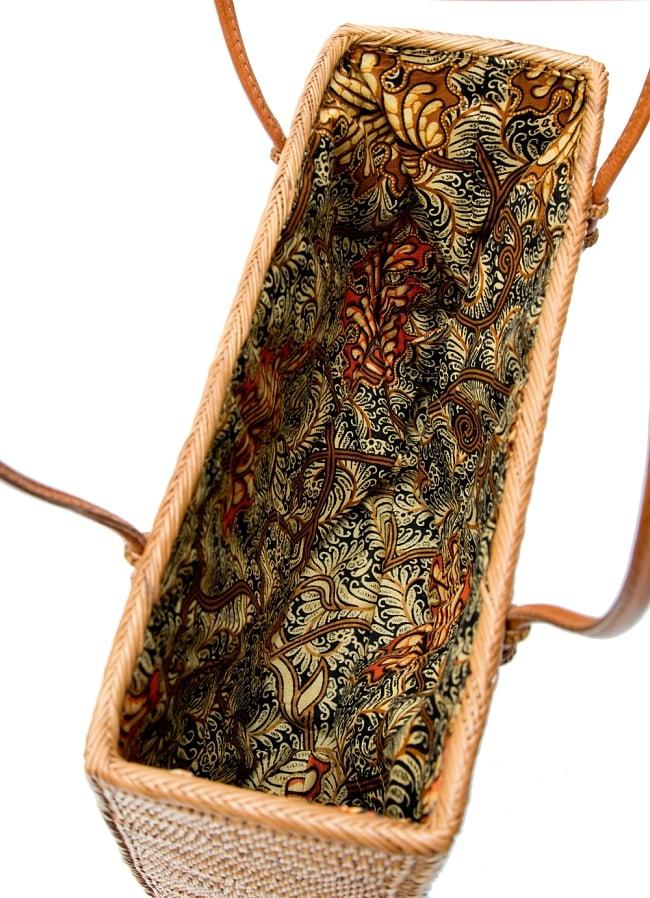 アタかご 巾着スクエアバッグ 発祥の地トゥガナン村で手作り【約22cm x30cm 】 11 - バッグの中です。見やすいように巾着を内側に入れて撮影しています。