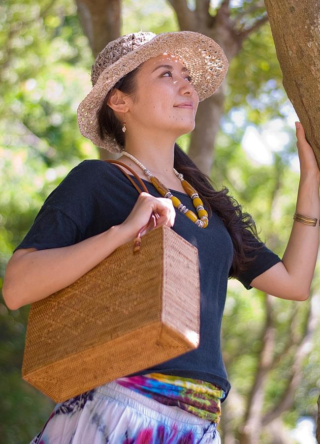 アタかご 巾着スクエアバッグ 発祥の地トゥガナン村で手作り【約22cm x30cm 】 2 - 正面からの写真です