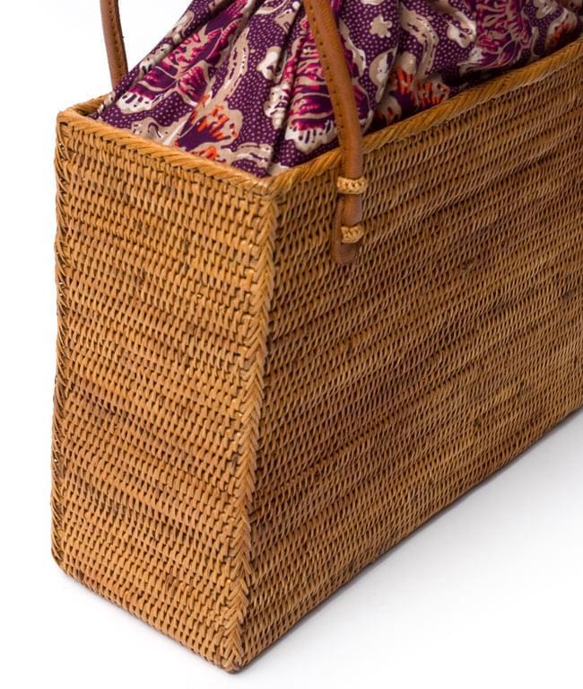 アタかご 巾着スクエアバッグ 発祥の地トゥガナン村で手作り【約22cm x30cm 】 4 - 裏面の写真です