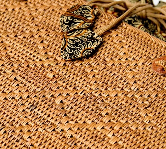 アタかご 巾着スクエアバッグ 発祥の地トゥガナン村で手作り【約22cm x30cm 】 8 - 大変な手間を掛けて編み上げています