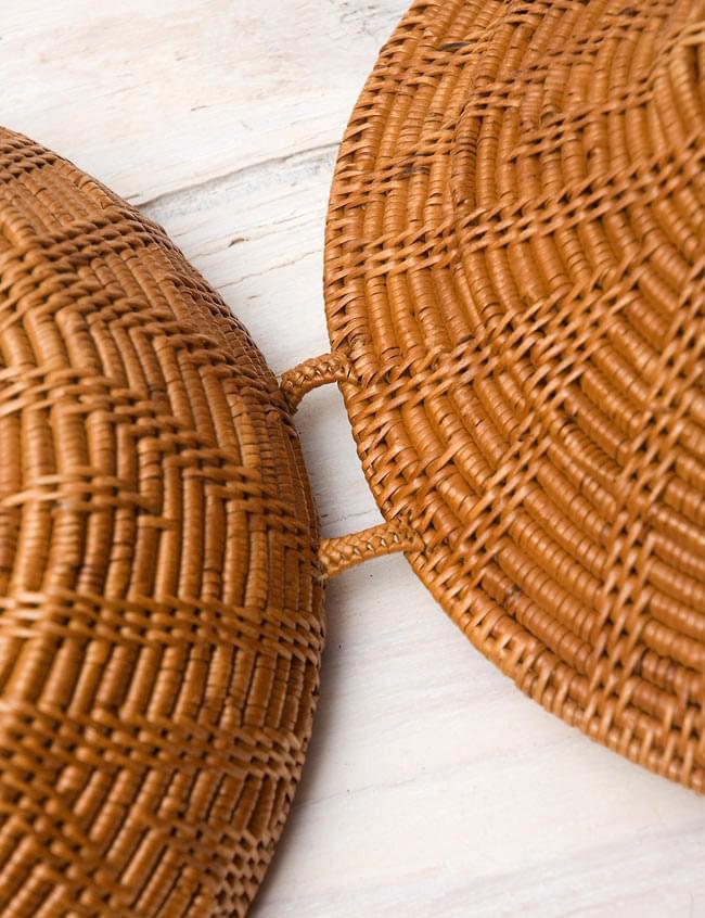 トゥガナン村のアタ タジン鍋型小物入れ 【23cm】の写真3 - 蝶番はこのようになっています