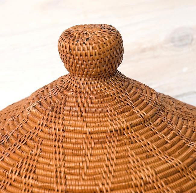 トゥガナン村のアタ タジン鍋型小物入れ 【23cm】の写真5 - ずんぐりした可愛らしい持ち手