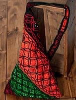 〔一点もの〕カッチ刺繍の三角ショルダーバッグ