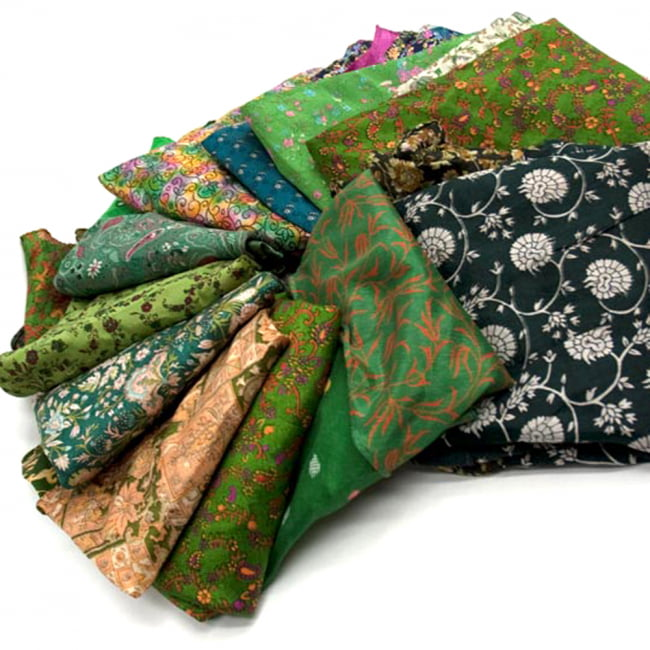 20通りの着方ができる魔法のスカート - 緑系アソート 3 - アソートの内容はこんな感じです。