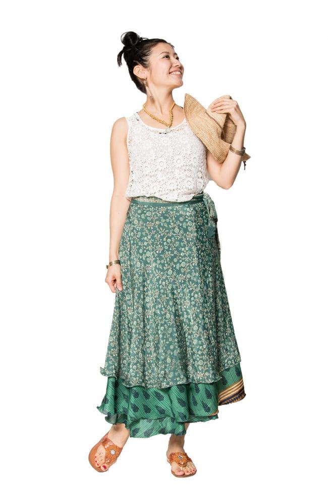 20通りの着方ができる魔法のスカート - パッチワーク 3 - パッチワークなので、ひとつひとつ風合いも異なります。