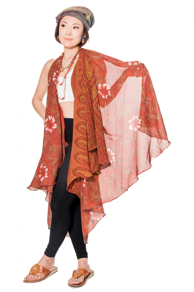 20通りの着方ができる魔法のスカート - パッチワーク 6 - こんな風に羽織ってみても◎