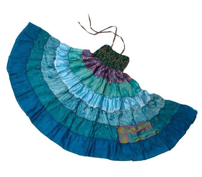 オールドサリーの2WAYスカート【ロング‐青系】 4 - 床に広げてみました。形が分かりますね。