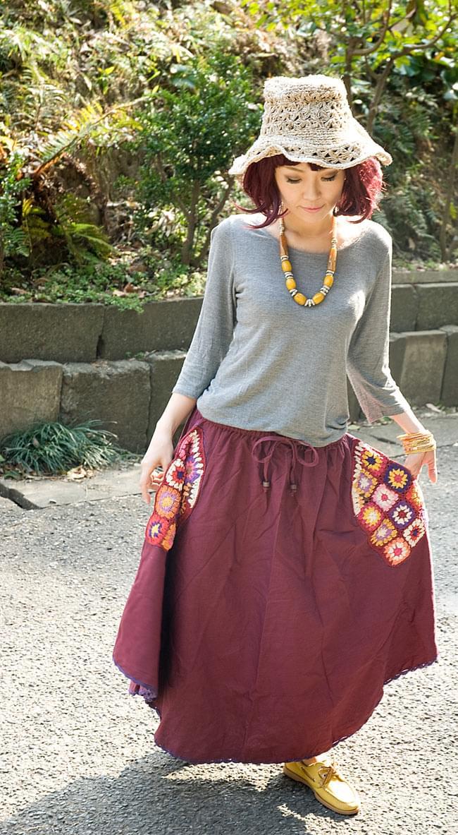 フラワー刺繍のコットンフレアスカート 3 - 身長150cmの着用例です。