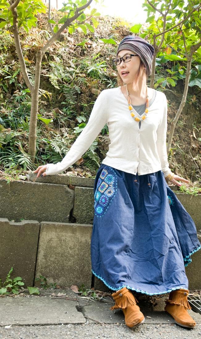 フラワー刺繍のコットンフレアスカート 5 - 身長150cmの着用例です。
