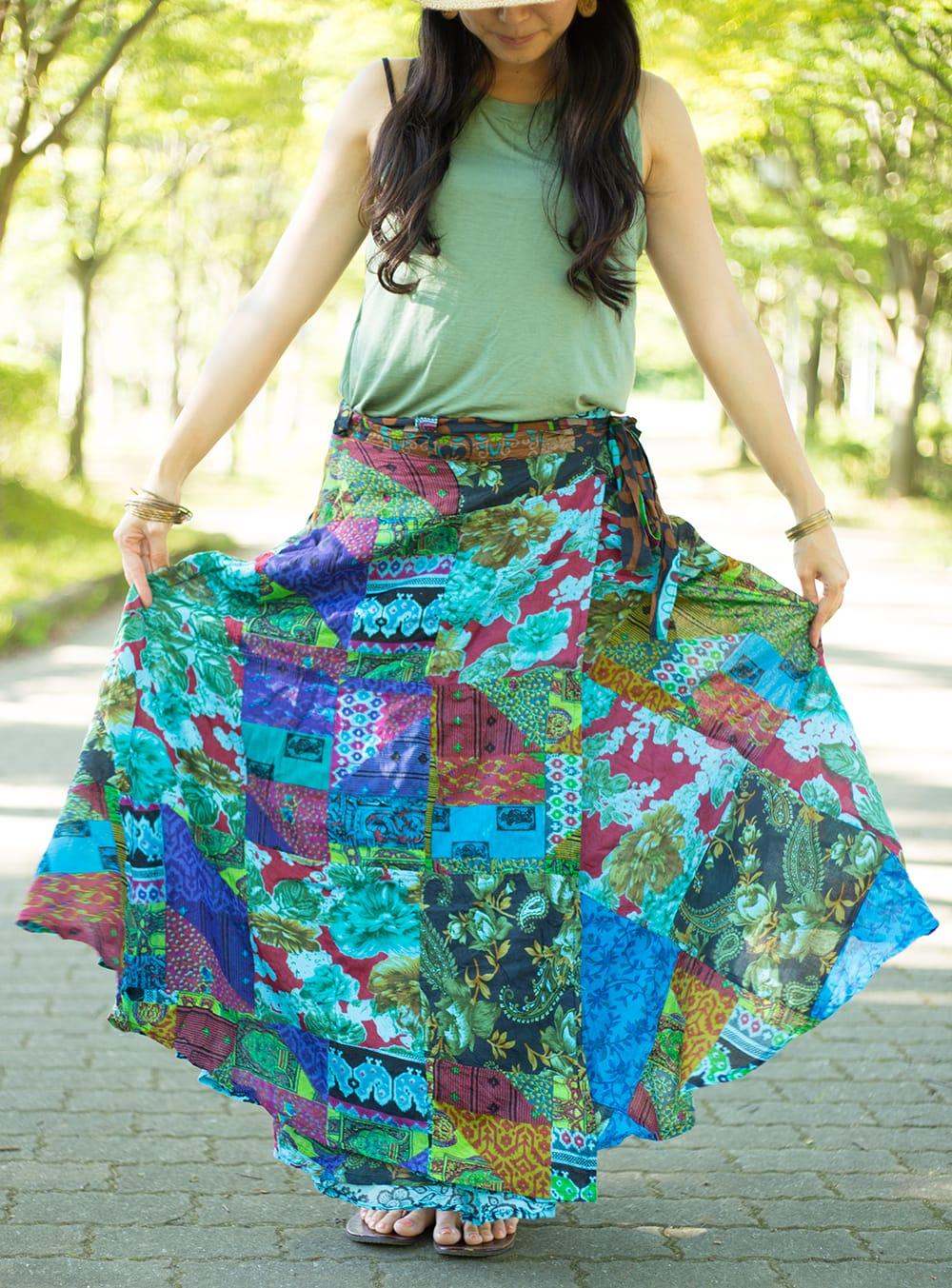 インドコットンのカラフル・パッチワーク巻きスカート 8 - 選択F:水色系です。
