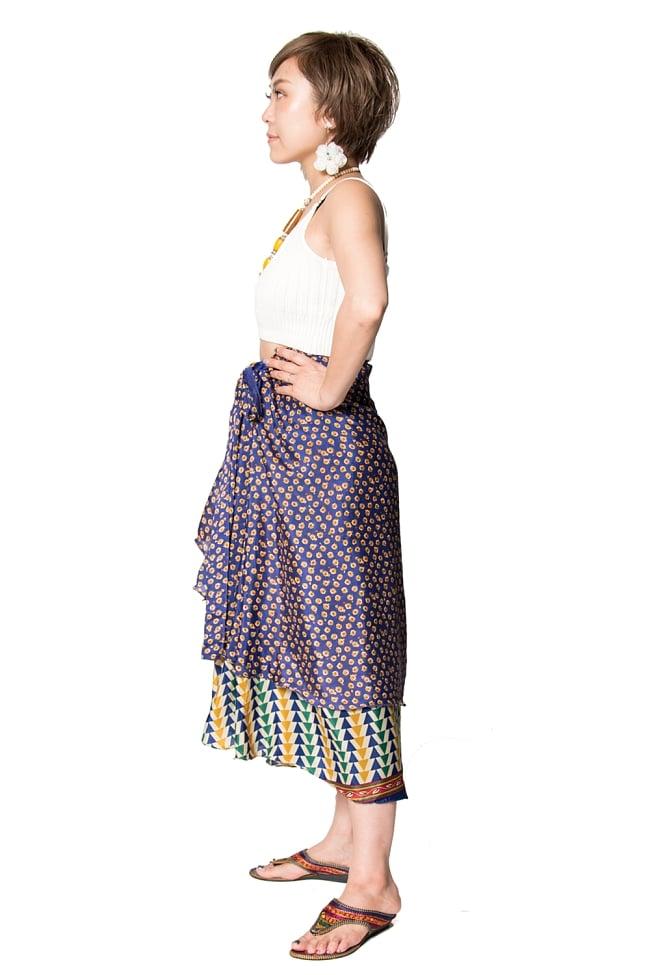 【1点もの】20通りの着方ができる魔法のスカート 青系 2 2 - 背中側からみてみました。