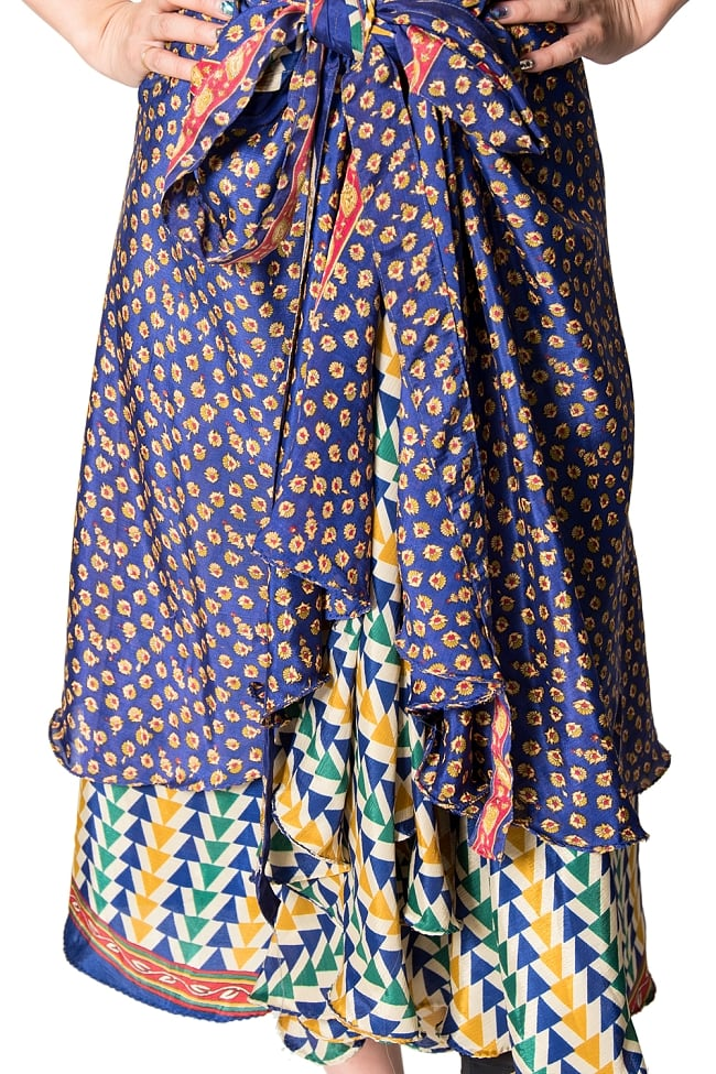 【1点もの】20通りの着方ができる魔法のスカート 青系 2 4 - 別の箇所をみてみました。