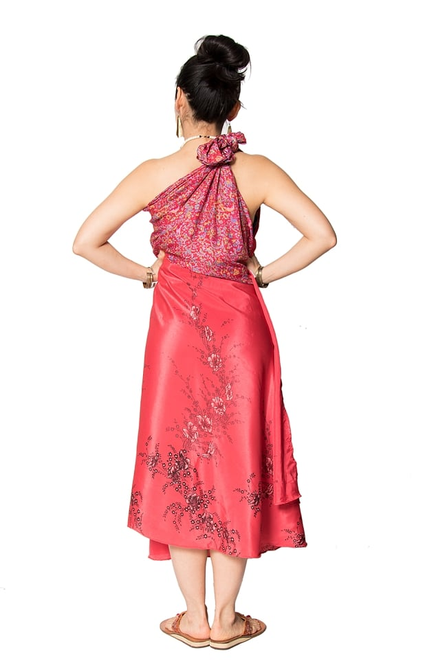 【1点もの】20通りの着方ができる魔法のスカート 赤系 2 3 - 柄の詳細をみてみました。