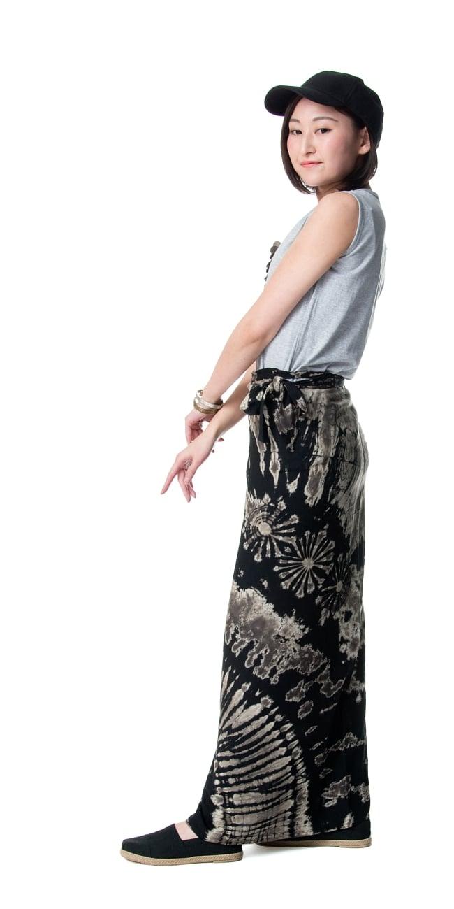 タイダイレーヨン巻きスカート 3 - 横から見てもスッキリ見えますね。