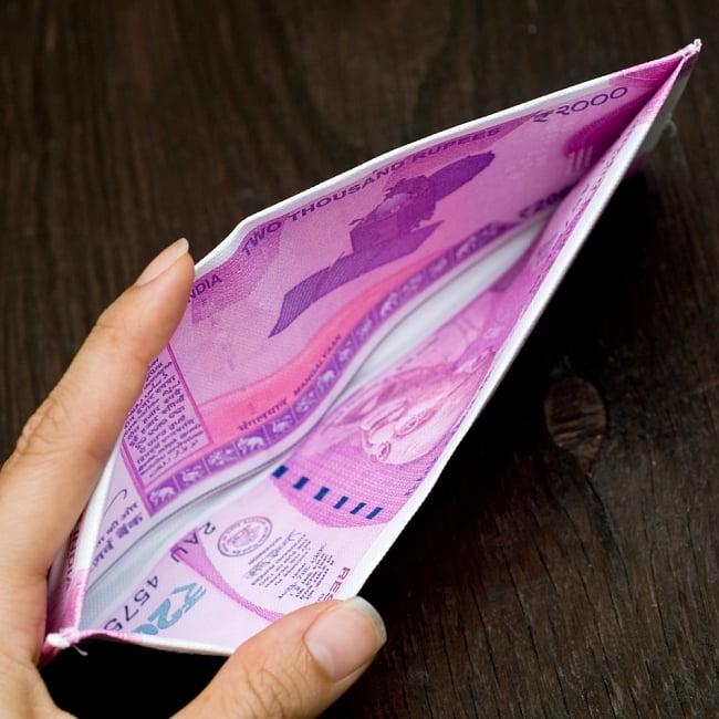 インドルピー札 そのまんま財布【2000ルピー】 5 - お札入れは大きく開いて使いやすいです!