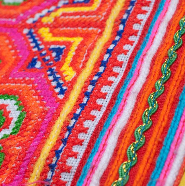 モン族の古布を使ったウォーレット 4 - 別の柄の布地をアップにしました