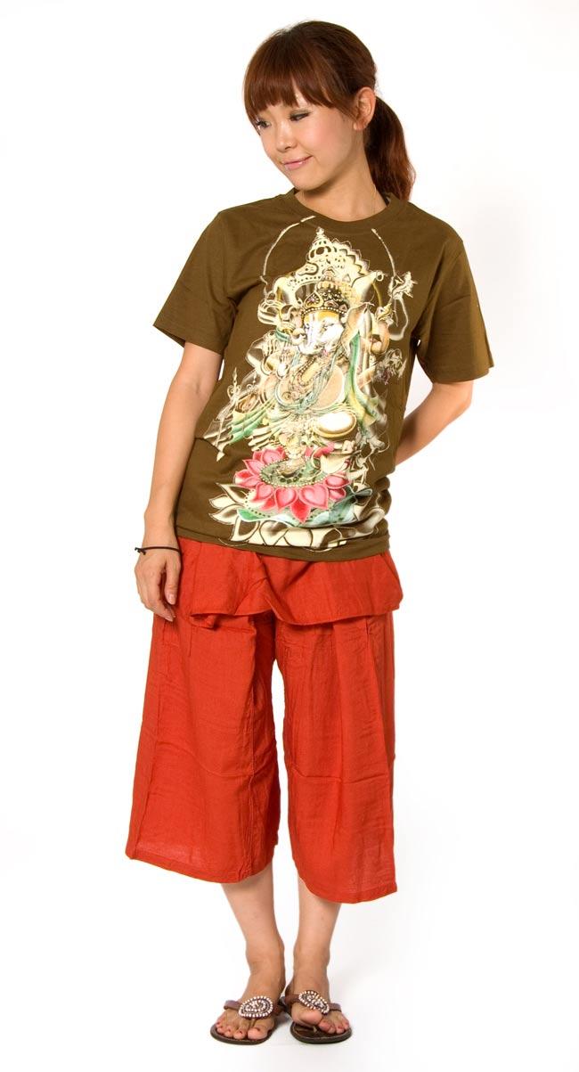 蓮の上で踊る!ダンシングガネーシャ Tシャツ 4 - 身長153cmのモデルがSサイズを着たところです