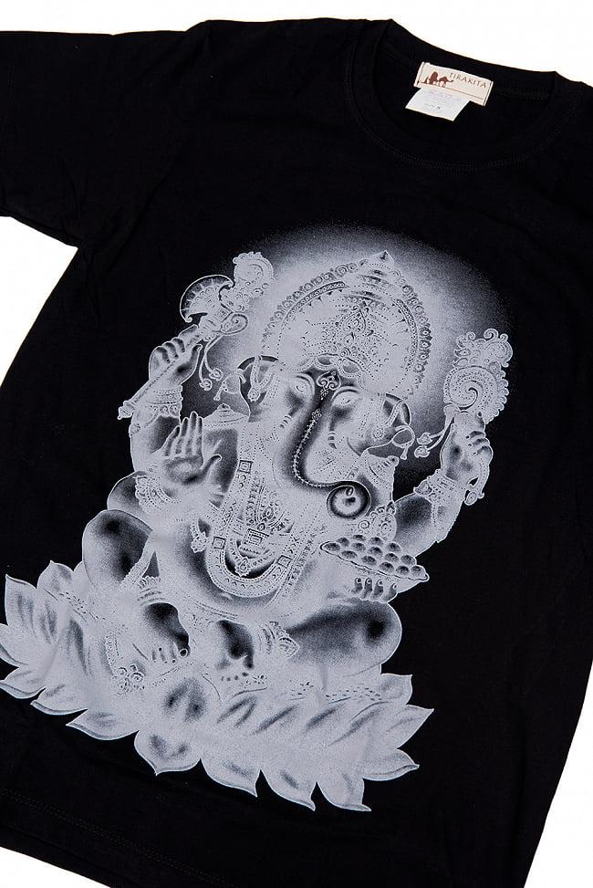 インドの神様!クールなガネーシャTシャツ 2 - 拡大写真です