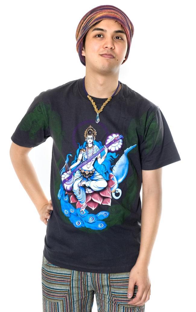 音楽と芸術の神様 サラスヴァティー Tシャツ  10 - 170cmのスタッフがMサイズを着てみました