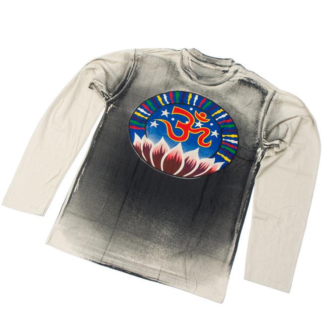 【長袖】ロータスとオーン Tシャツ 2 - 裏面です