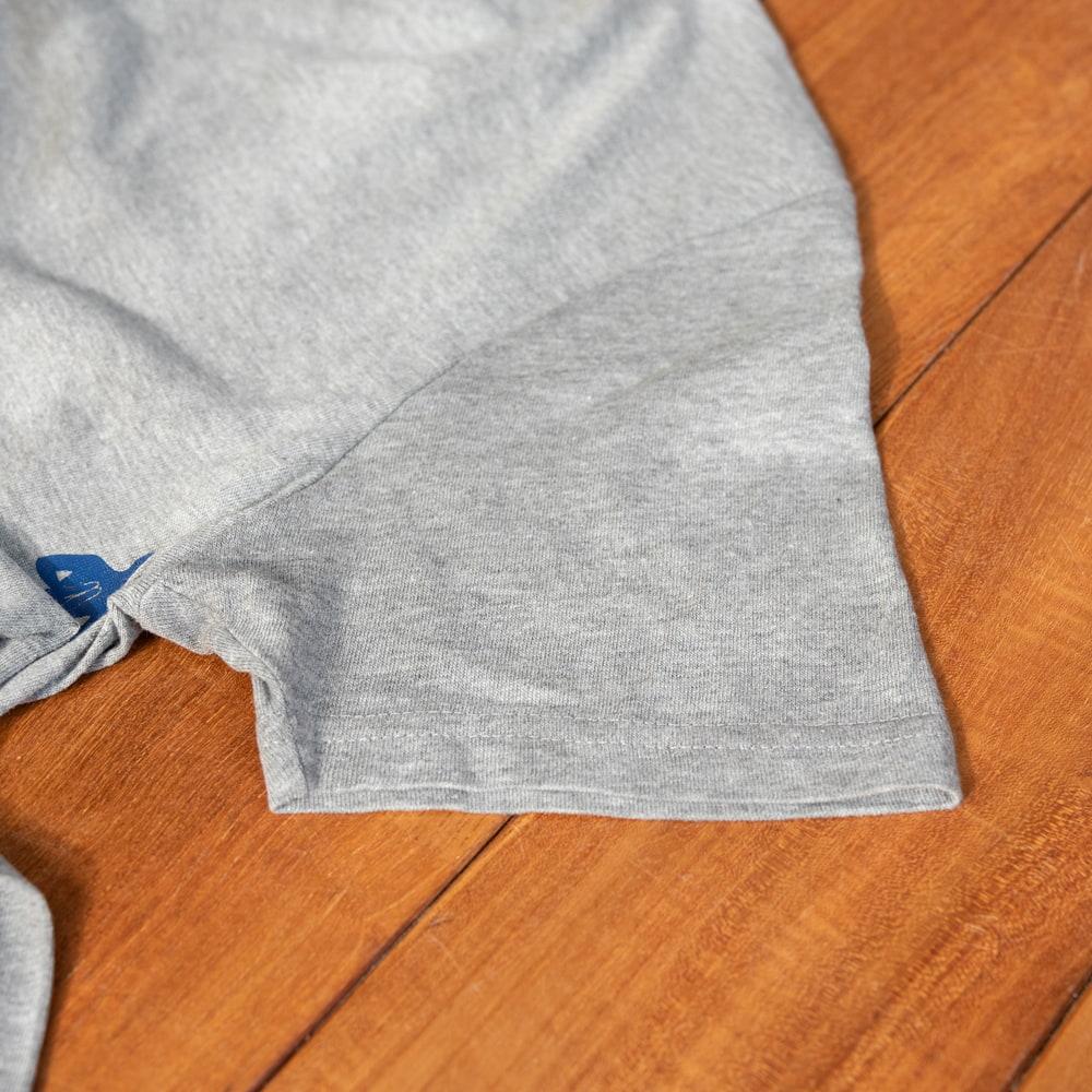 太陽礼拝Tシャツ ヨガの太陽礼拝ポーズをデザイン 12 - 袖です