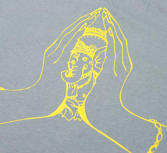 ナマステ・ガネーシャ Tシャツ 【グレー】 3 - 全面のプリントをアップにしてみました。