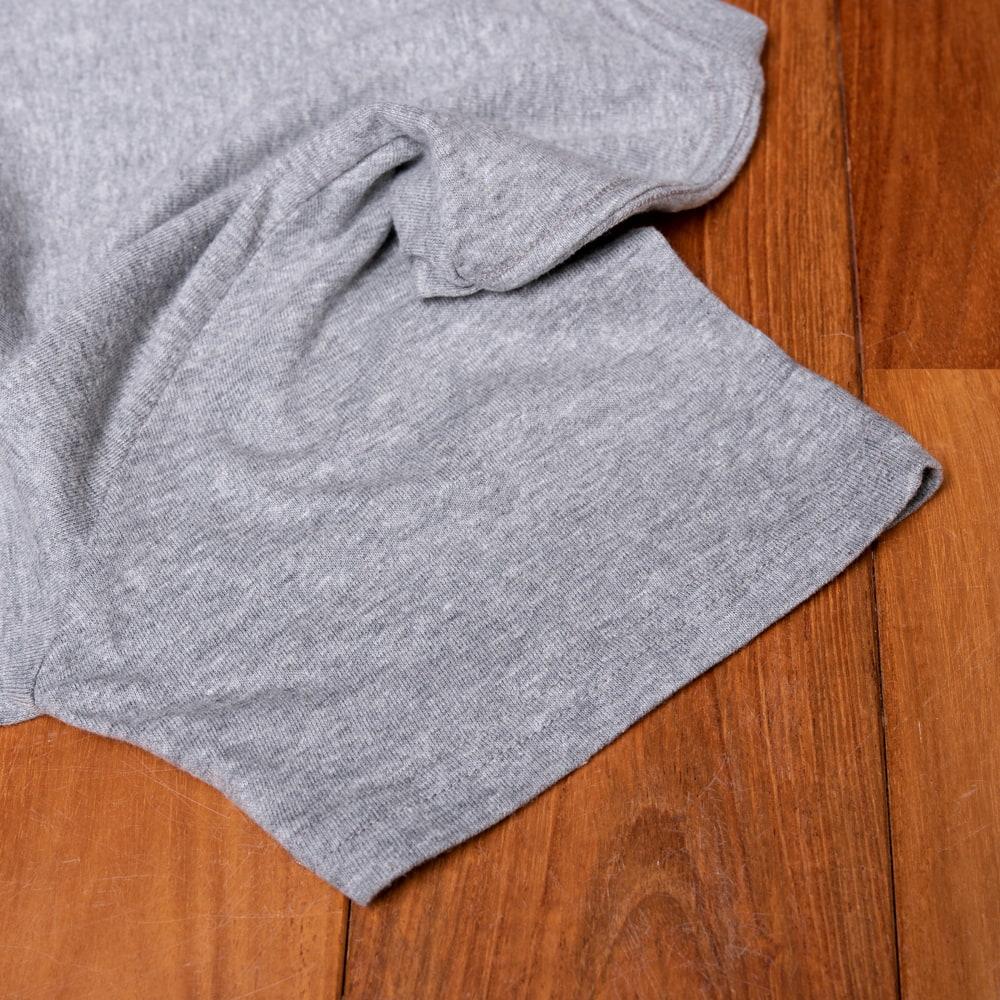 ヨガネーシャTシャツ ヨガをするガネーシャのオリジナルTシャツ 新色入荷 11 - 袖口の写真です