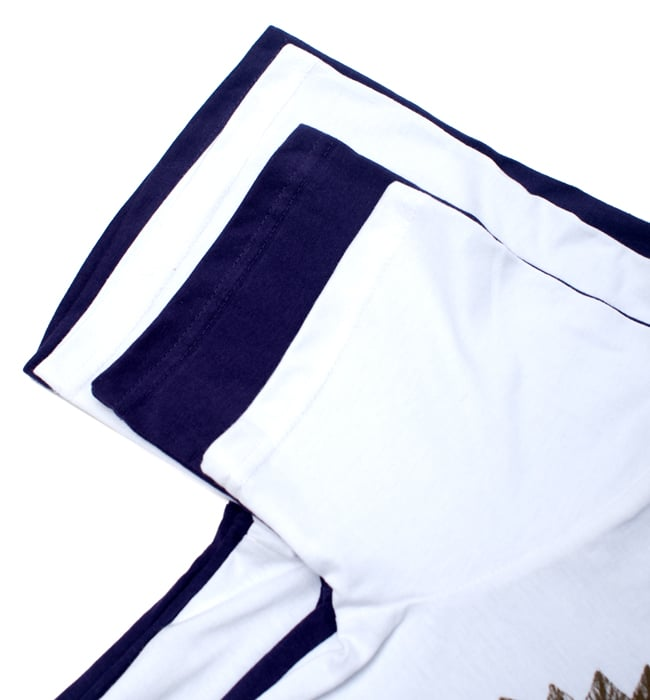 ガネーシャのひかり ウッドブロックプリントTシャツの写真13 - XL、L、M、Sの順番で下から重ねてみました。詳細はサイズ表をご確認下さい。
