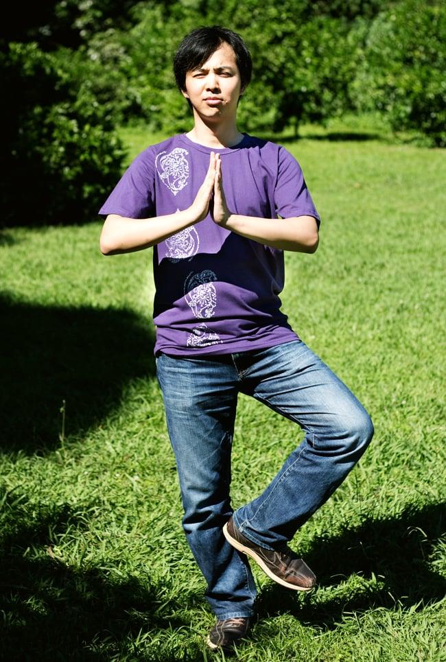 ドロップリーフ ウッドブロックプリントTシャツ 11 - 身長170cmのスタッフが【Lサイズ-紫色】を着てみました。