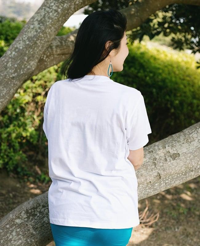 ブッダTシャツの写真3 - 後ろからの写真です