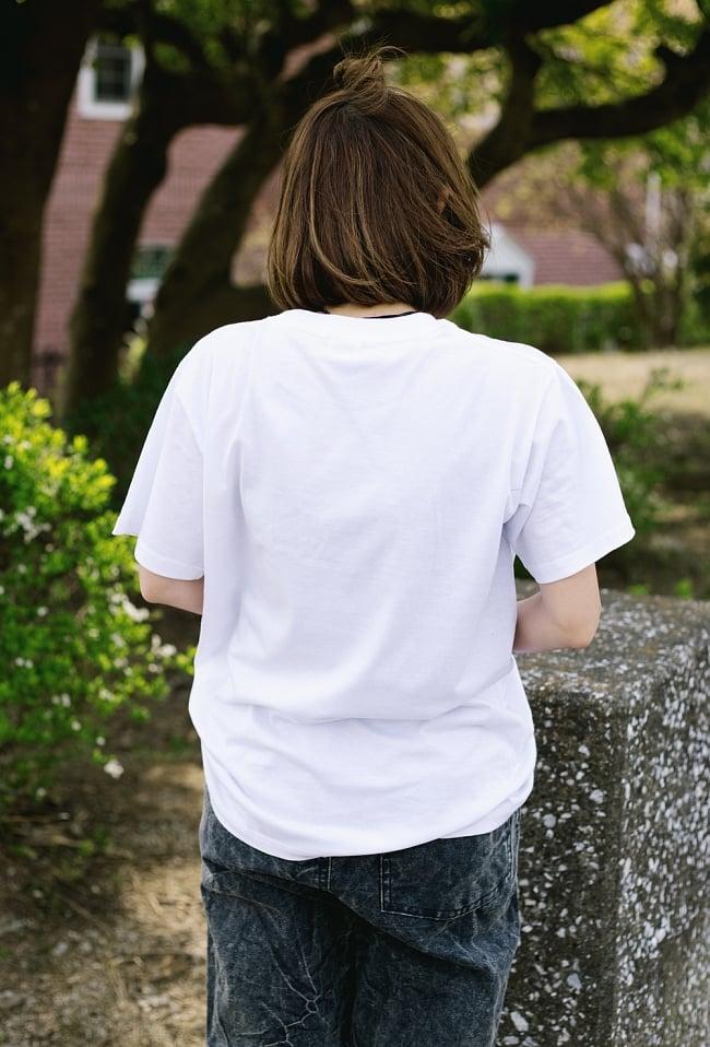 タルチョーTシャツ 3 - 後ろからの写真です