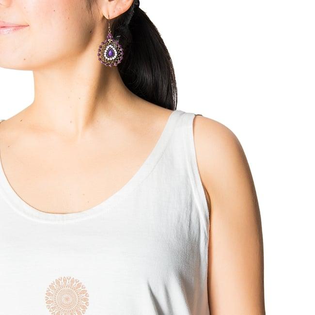7 chakra ロングタンクトップ ヨガやフィットネスにの写真3 - 動きやすく細めの肩紐です。
