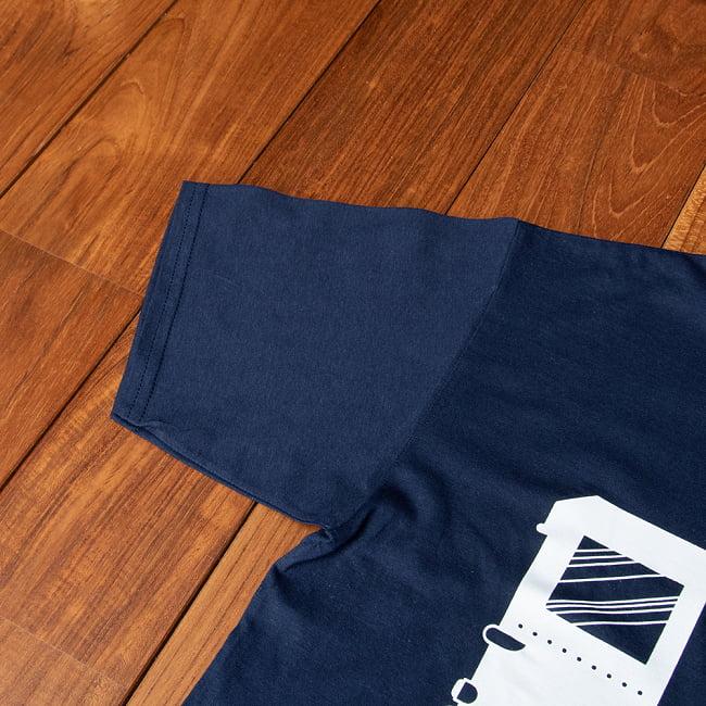 Chalo! India Tシャツ インド乗り物の王様、オートリキシャ 5 - 袖の写真です