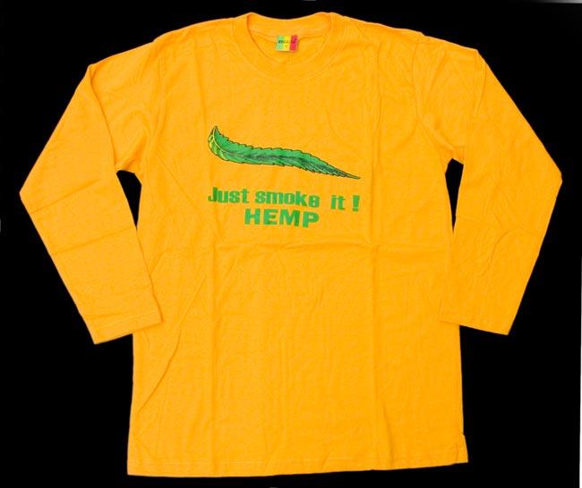 マリファナ長袖Tシャツ 2 - 全体写真です。