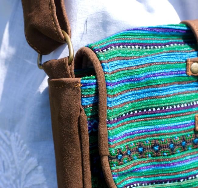 モン族刺繍の縦型ショルダーバッグ 7 - パッチワークがカワイイ!