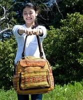 モン族刺繍のボストンバッグ-黄色系刺繍