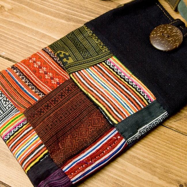 【1点もの】モン族刺繍のパッチワークショルダーバッグ 3 - 刺繍部分をアップにしてみました。丁寧に編まれています。