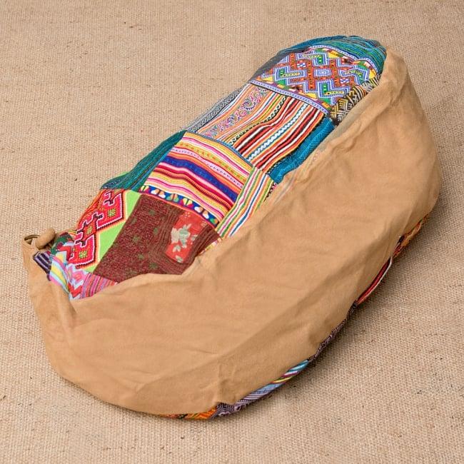 モン族刺繍のトラベルバッグ - ベージュ 5 - 底の部分はこの様な感じです。