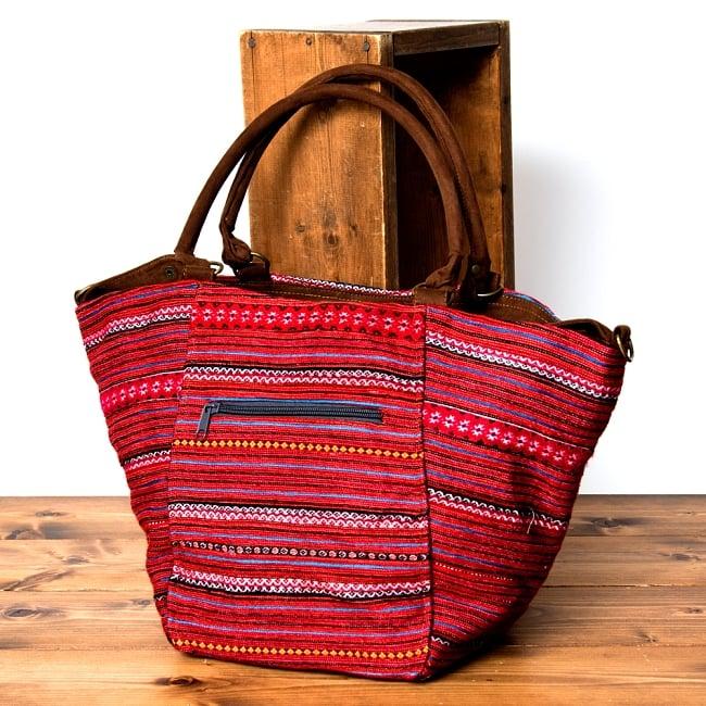 モン族刺繍の2WAYバッグ 2 - 裏面にもしっかり刺繍が施されています。