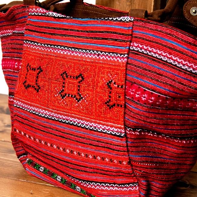 モン族刺繍の2WAYバッグ 3 - 細かい刺繍が丁寧に施されています。