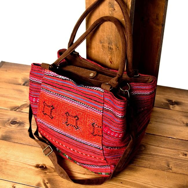 モン族刺繍の2WAYバッグ 7 - サイドのボタンを止めた状態です。