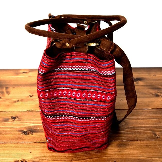 モン族刺繍の2WAYバッグ 9 - マチもしっかりあるので、たくさん入りますよ!