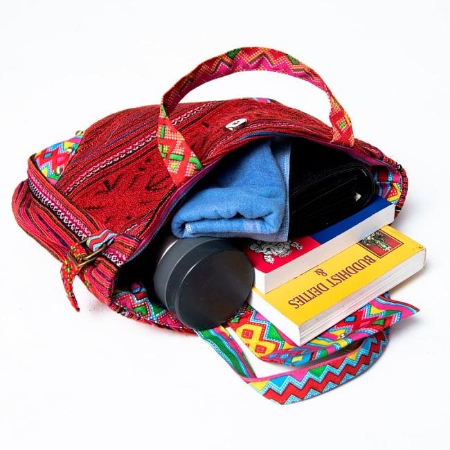 モン族刺繍のトートバッグ 12 - ちょっとパンパンではありますが、たくさん入ります。