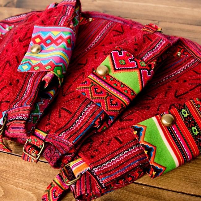 モン族刺繍のトートバッグ 19 - 選択Dのアソート写真です。この様なお色味の中からお届けします。